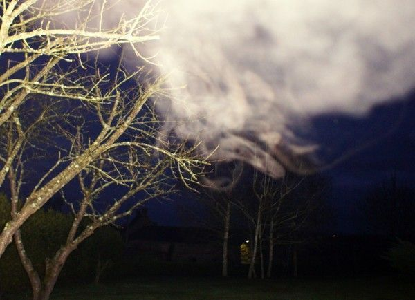 Le Soleil,les Orbs, et les formes brumeuses