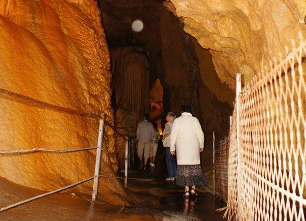 Recherche d'Orbs dans une grotte ce lundi.